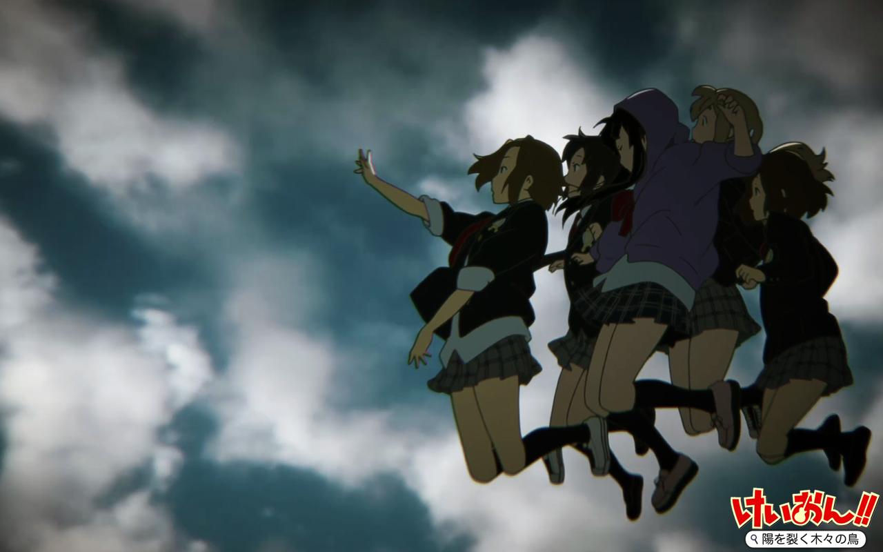 ジャンプするけいおんの部員5人の壁紙